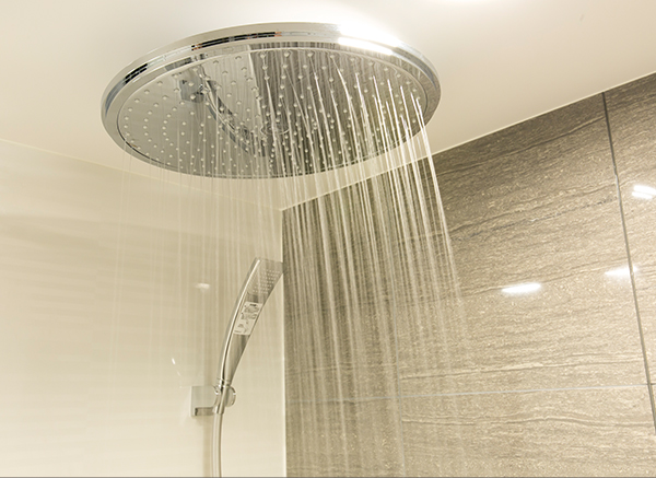 Rain Shower Equipped Baths in All Rooms